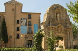 Hop-On/Hop-Off-Bustour Malaga/Museo Carmen Thyssen/13