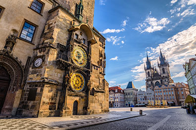 Burgspaziergang + Hop-On/Hop-Off-Bustour Prag + Boot/Old Town Square/1