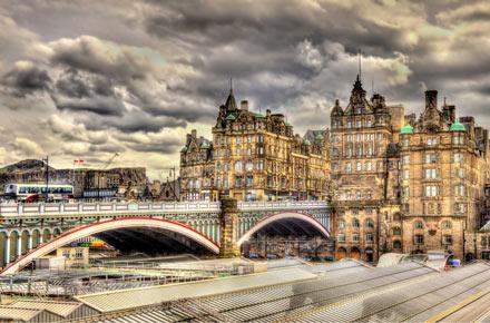 Hop-On/Hop-Off-Bustour Edinburgh/Waverley Bridge/1