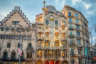 Bus Turístico Barcelona/Casa Batlló - Fundació Antoni Tàpies/2