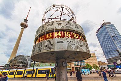 Hop-On Hop-Off Berlin/Alexanderplatz/8