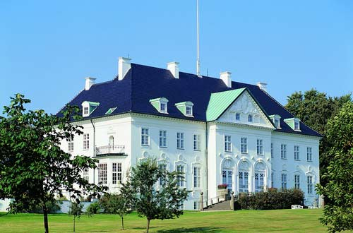 Hop-on/Hop-off-Bustour  Aarhus/Marselisborg Castle /2