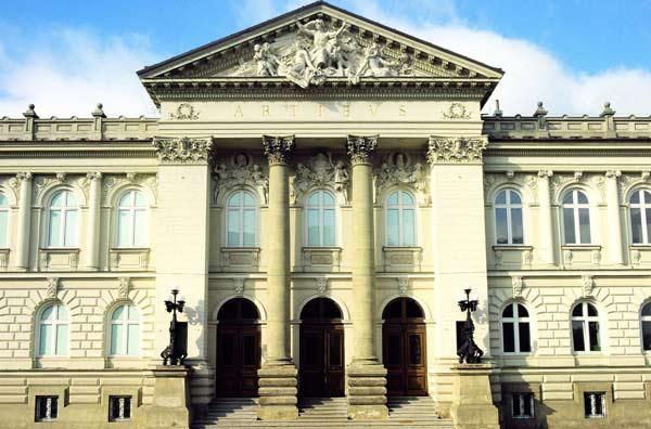Bus Touristique Cracovie / Varsovie / Gdansk/Musée Chopin/4