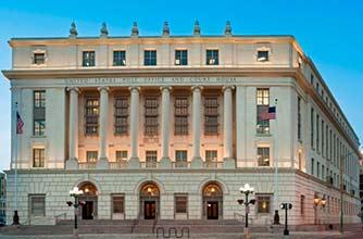 Bus Touristique San Antonio/Hipolito F. Garcia Federal Building/9