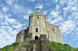 Bus Touristique Cardiff/Cardiff Castle / Castell Caerdydd/1