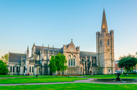 St. Patrick's Cathedral, Marsh's Libraryº