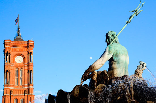 Rotes Rathaus (Neptune Fountain)