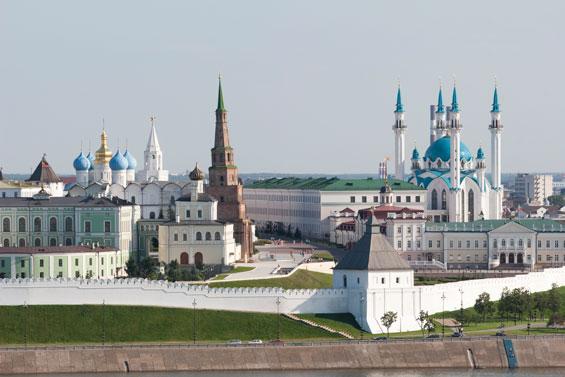 Площадь 1 мая (Казанский Кремль) / First of May Square (Kazan Kremlin)